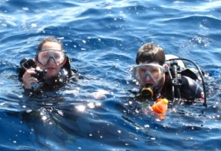Jane & Pedro Kev ready to dive